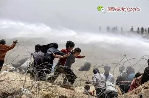"""田文林:""""颜色革命""""是难民危机之源"""