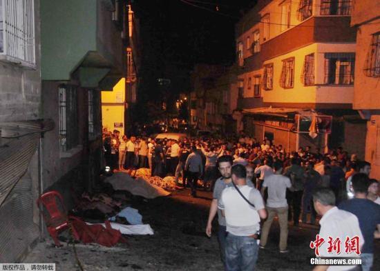 土耳其频遭恐怖袭击 炸弹血洗婚礼致51人死亡