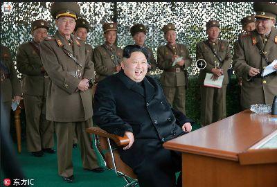 金正恩视察炮兵射击大会 现场指导笑容满面