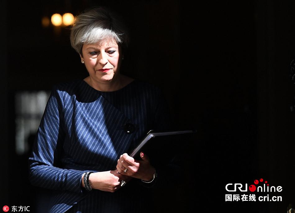 英国首相宣布提前举行大选