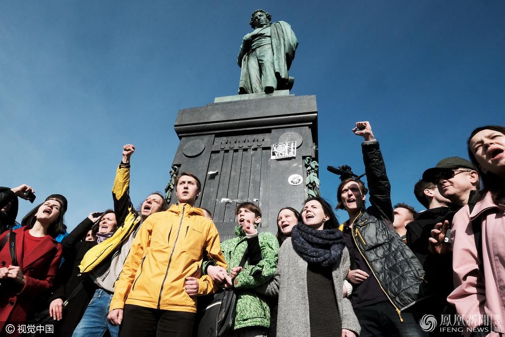 俄罗斯之春:血腥动荡却是旧时相识