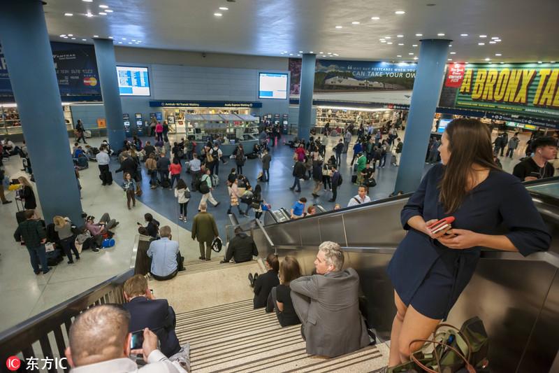 纽约一车站误传枪击 民众逃散致16人受伤