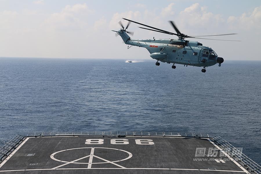 南海舰队开展实弹演练 罕见登陆舰舱门开启照曝光
