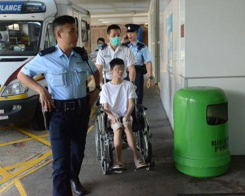 香港15岁少年涉嫌持刀非礼继母 被警方拘捕