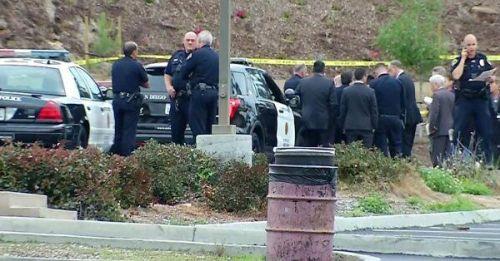 美国15岁学生向警察举玩具枪被多枪打死