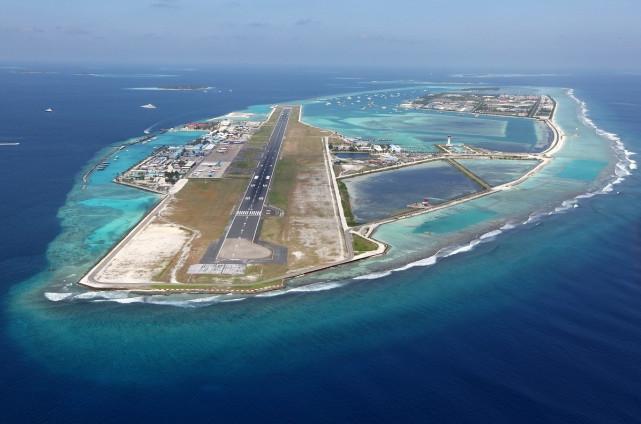 中国吹填造陆实力,助马累岛礁机场扩建