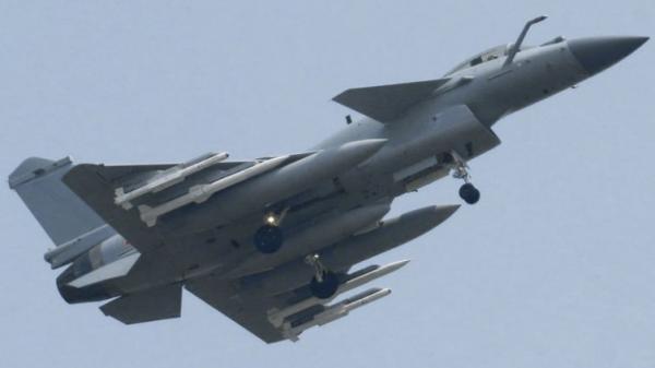 中国或已装备PL15导弹 将成歼20主要武器