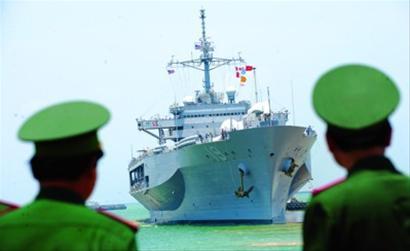"""美航母越战后将首访越南要维护""""自由航行"""""""