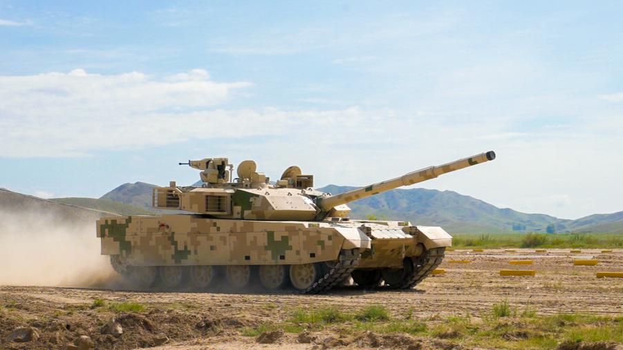 中国最新装甲战力云集装甲与反装甲日活动