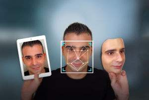 """""""刷脸""""应用爆发式增长 万一整容了怎么办?"""