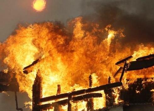 美加州山火肆虐现场如炼狱