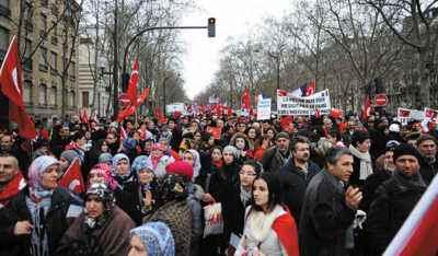 法国公务员将大罢工 学校及航空系统恐受影响
