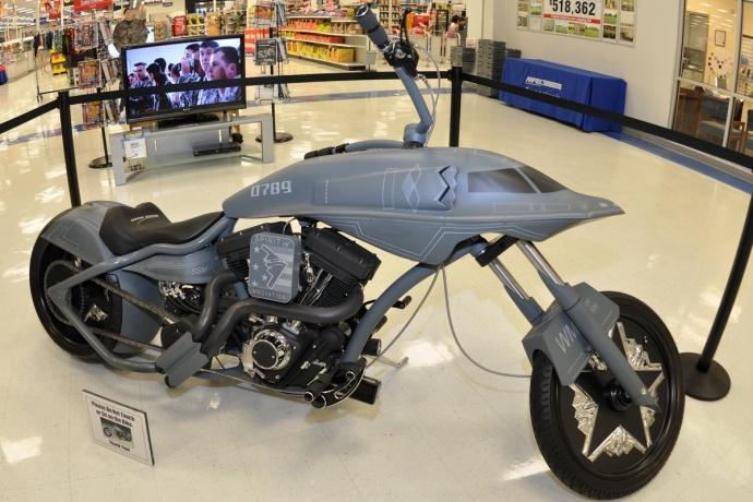 B-2隐型轰炸机变身超级摩托车