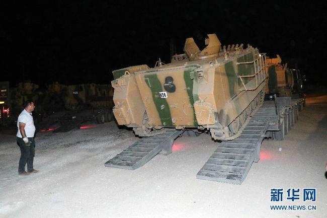 土耳其军队向叙境内开炮 大批军车集结边境