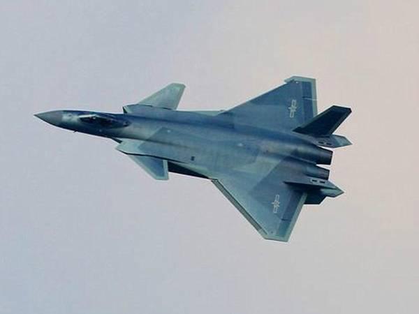 歼-20成美海空军噩梦 中国或成第2大空军