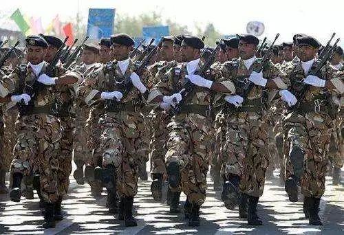 """革命卫队该为伊朗经济困难""""背锅""""?"""