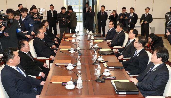 时隔758天后,韩朝双方终于又坐在了一起...