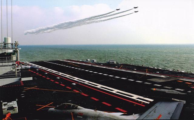 中国辽宁舰只是纸老虎?谣言不攻自破