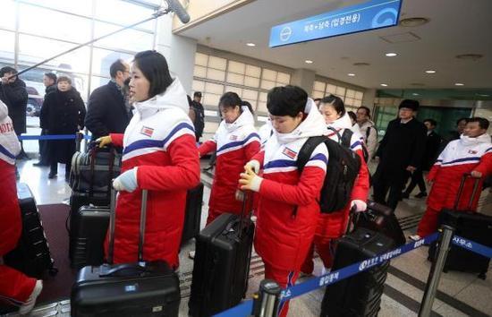 平昌冬奥政治介入 朝韩女子冰球联队成牺牲品