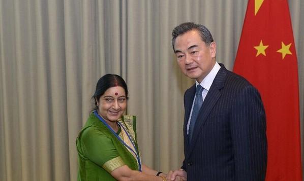 为什么中国是赢家,印度却走不了多远?