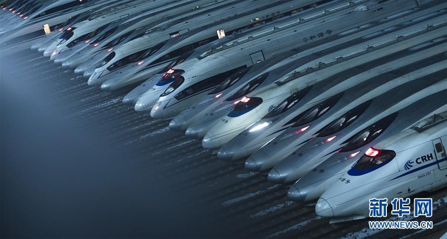 """""""陆地舰队""""迎接春运,这很中国!"""