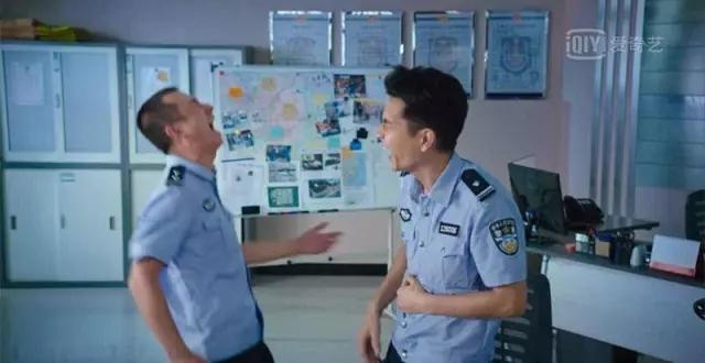 """你寻找的不是""""汤兰兰"""",而是搞臭警察的机会"""
