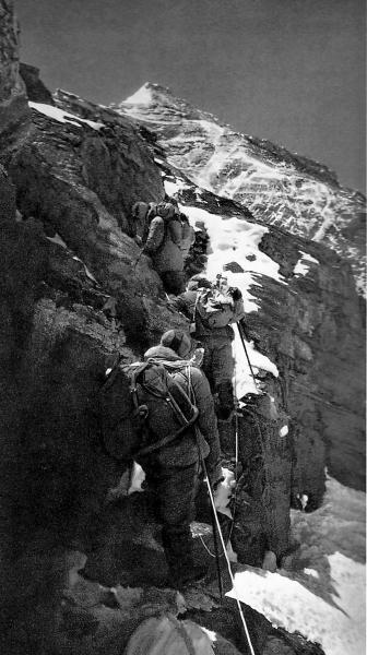 1960年中国人如何完成北坡首次登顶珠峰?