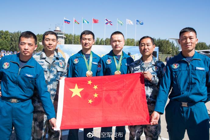 中国空军收获两项第一
