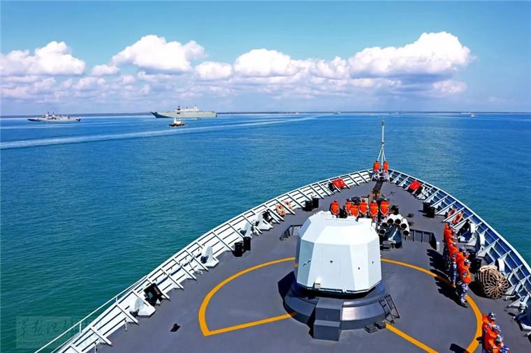 中国海军黄山舰启程回国