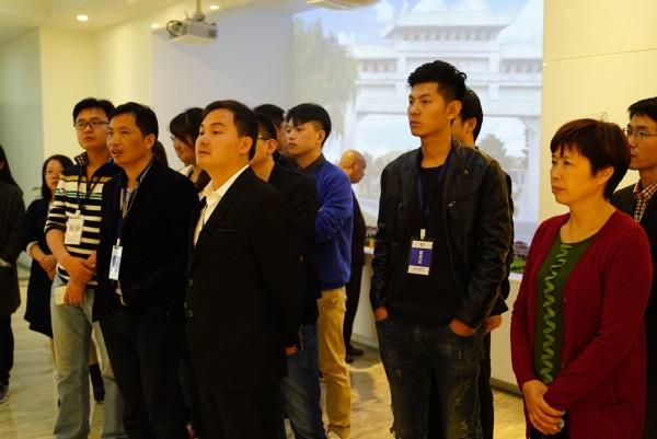 """家家住别墅,人人有分红 体现了""""确确实实改革开放""""的""""中国幸福村"""""""