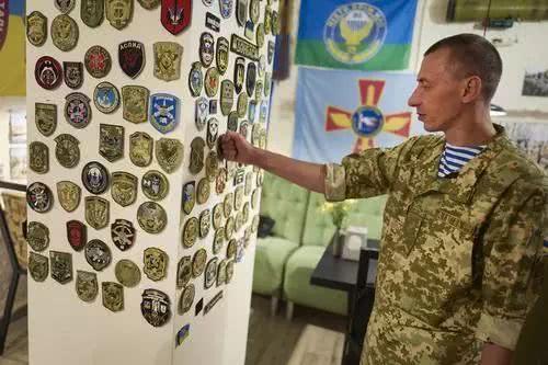 """东乌克兰成为""""绝望的土地"""""""