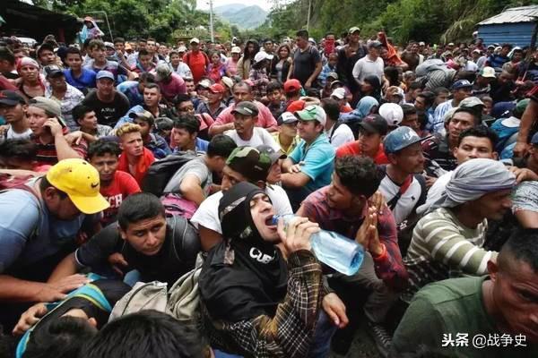 美国公开表示,只要难民做出此动作即可射击
