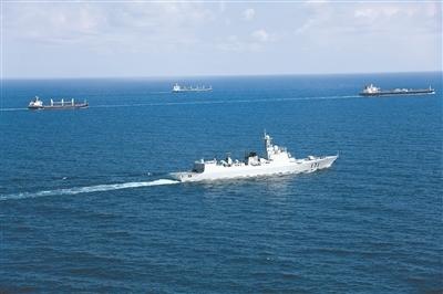 护航10年:中国海军让最危险海域变成黄金航道
