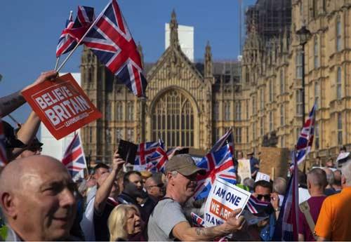 当代西方国家社会撕裂的政治根源及其警示