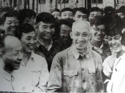 """""""一辈子做好事""""的革命老战士吴玉章"""