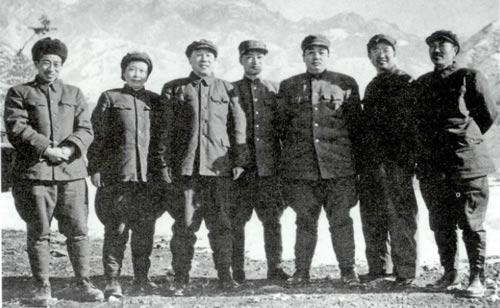 """毛泽东:""""抗美援朝战争是个大学校"""""""