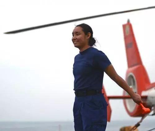 """""""我90后华裔,替美国向中国海警船喊话,很自豪"""""""