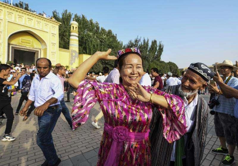 西媒围绕新疆的作秀还要演多久