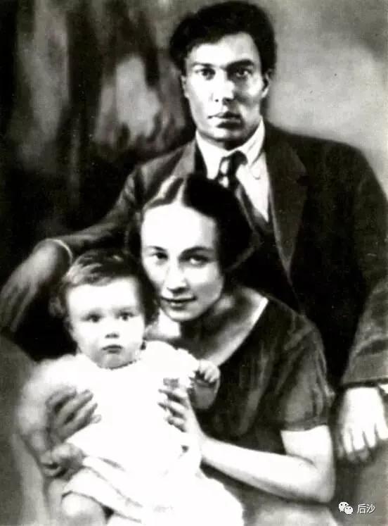 苏联叛徒作家,却成了西方的宠儿,并得到诺奖加持