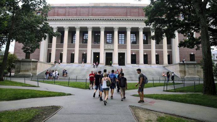 美撤销签证新规 留学生:美国民主和人权都要打引号