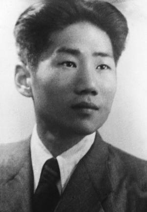 """毛岸英上朝鲜战场是为了镀金?用""""蒋经国模式""""戳破谣言!"""
