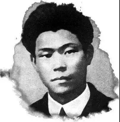 """今天,我们缅怀这位提出""""中国共产党""""名称的第一人"""
