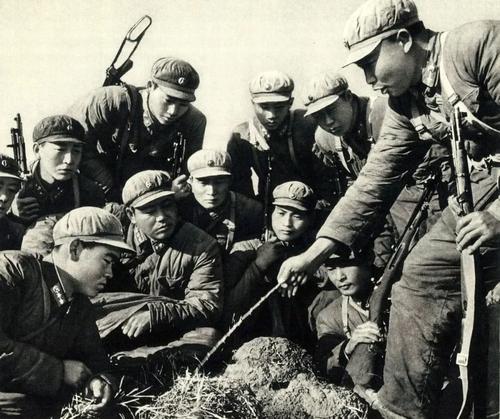 火线诸葛亮会:军事民主的生动实践