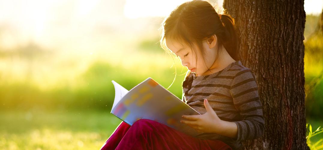 手机时代更要捧书阅读