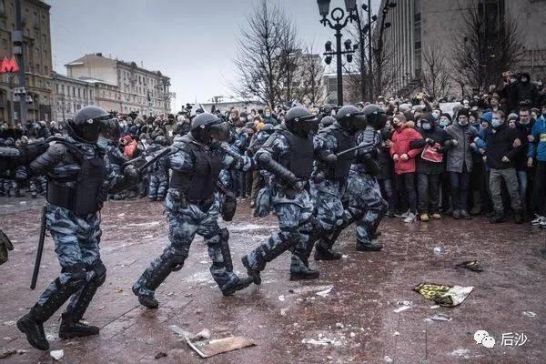 美俄过招,俄罗斯多地爆发非法集会