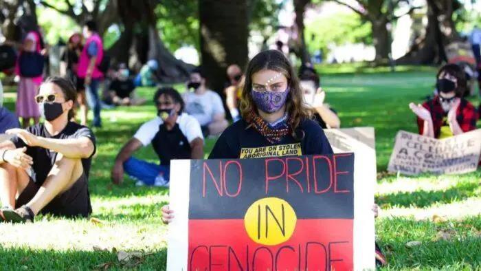 国庆节当天,澳大利亚多地爆发抗议活动!