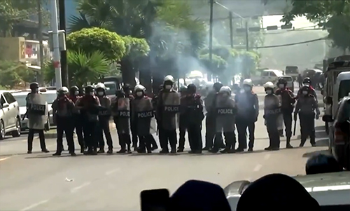 缅甸军方使用致命武力,已造成18人死亡