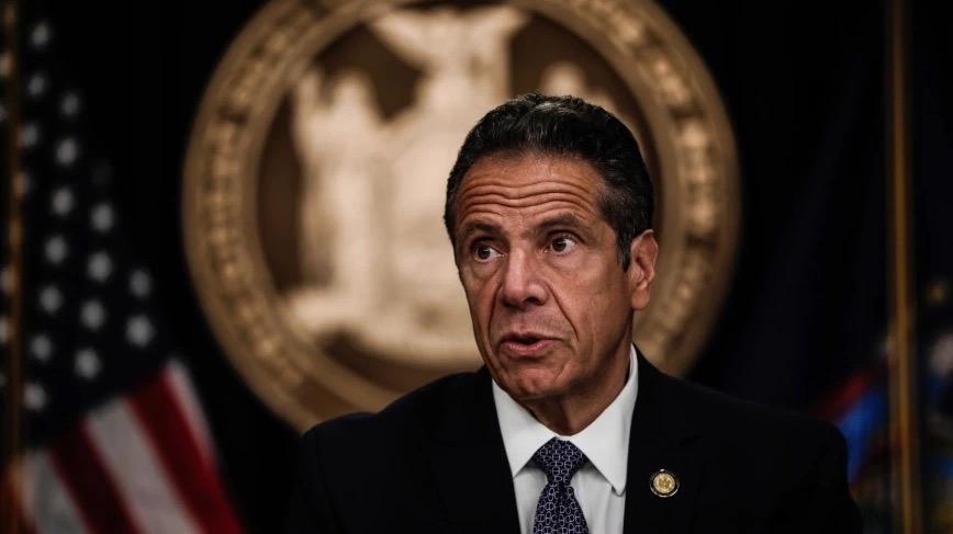 """深陷性骚扰丑闻,纽约州州长道歉:我的话被""""误解""""成调情,会配合调查"""