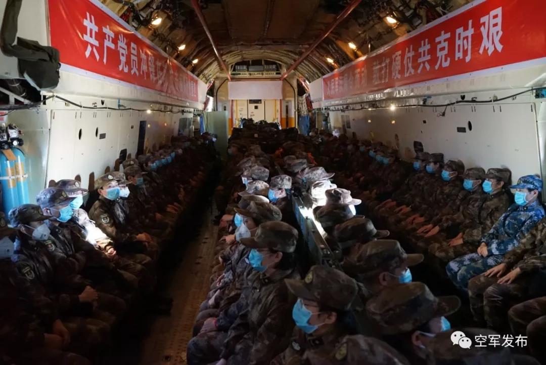 """""""解放军来了!""""外国永远都不明白在中国这句话的意义……"""