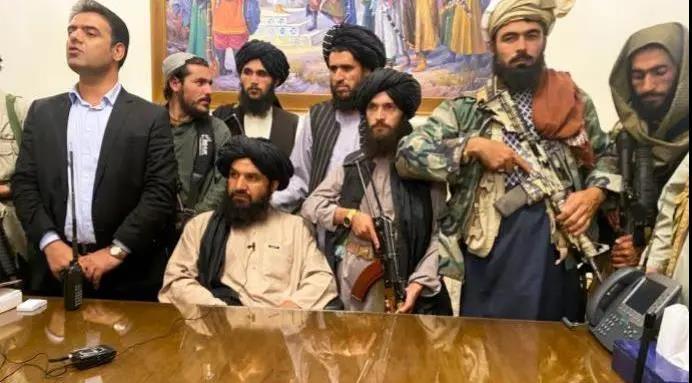 阿富汗一夜变天,到底谁尴尬?
